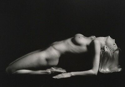 nude/ photo female black and white