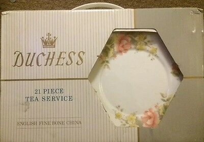Duchess 21 Piece Tea Service Boxed Excellent Condition