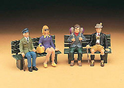 LGB - 51420 - Tourist Figures, Seated - G Scale 1:22.5