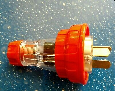20 Amp 3 Pin IP66 Rated Industrial 240V Weatherproof Male Plug Top Extension