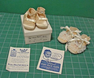 2 PR VINTAGE MRS DAY's IDEAL CRIB SHOES- 1 IN ORIGINAL BOX WITH LEAFLET