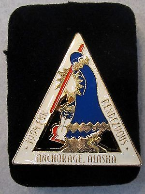 1994  FUR RENDEZVOUS Anchorage Alaska tie tack pinback FUR RONDY