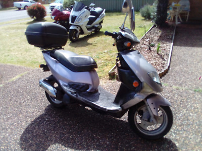 Pgo bolwell arriba scooter