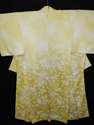 Vintage Japanese Yellow/Cream 'Leaves & Arabesques' Silk Satin Kimono/Robe M/L