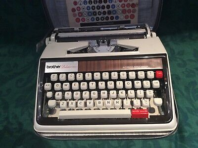 Brother De Luxe Portable 1350/1970 Typewriter In Carry Case. Excellent Condition