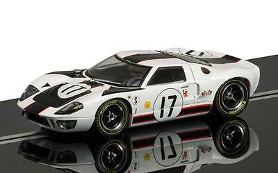 Scalextric C3653 Ford GT40 Sebring 1967, No.17