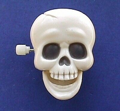 BUY1&GET1@50%~Halloween CLIP ON-WIND-UP Skeleton SKULL Vtg Mechanical Brooch