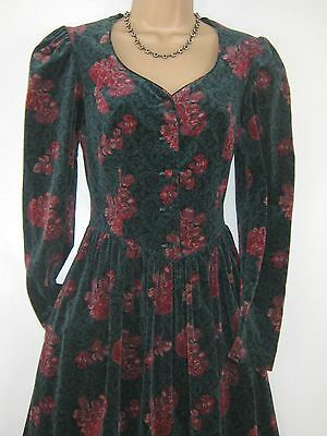 Laura Ashley Vintage Velvet Christmas Rose Special Occasion / Party Dress, 10/12