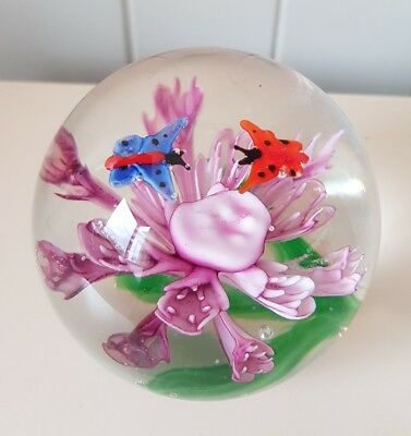 BUTTERFLIES GLASS PAPERWEIGHT, PINK FLOWER, 8cm x 8cm, BRAND NEW AND BOXED