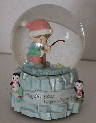 Precious Moments Musical Christmas Snow Globe By Enesco Year 2000
