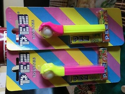 PEZ - Hand and Eye - Misfit Pink and Yellow Hand
