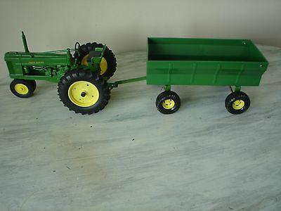John Deere 50 Die Cast Tractor With Ertl Pull Wagon New Without Box