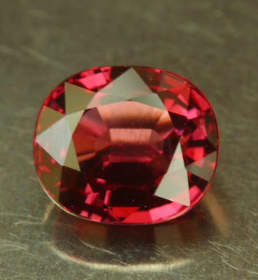 SPINELL   Vietnam    tolle Farbe      1,56 ct