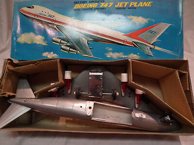 VINTAGE BATTERY OPERATED TWA BOEING 747 JEY PLANE NEAR MINT IN BOX w INSERTS