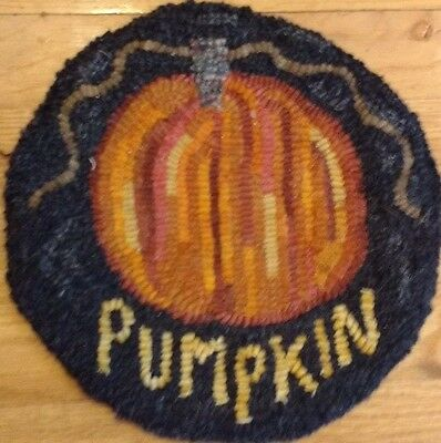 Beginner Primitive rug hooking kit, hooked, pumpkin, linen, wool