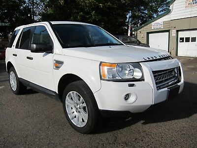2008 Land Rover LR2 SE LAND ROVER LR2 SE 2008 WHITE TAN LOW MILEAGE EASY DAMAGE! REPAIRABLE SALVAGE