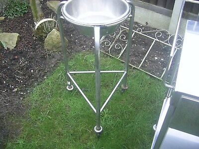 Stainless steel high grade removable bowl on 3 leg stand on wheels ex medical