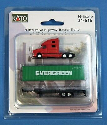 Kato 31-616  N GREEN Volvo Highway Tractor Trailer w/ 40' Container & Chassis