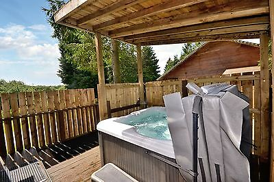 Autumn Midweek Break in a Two Bed Hot-Tub Lodge at Rocklands Lodges