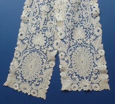 A Victorian Brussels Duchesse De Bruge Lace Scarf With Raised Work