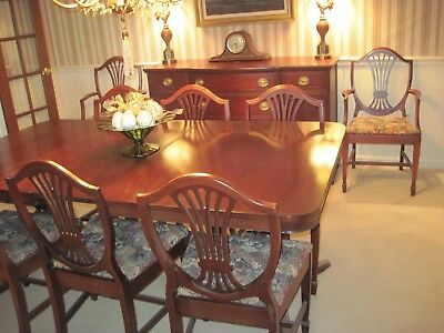 Vintage Mahogany Dining Room Set 4 Leaves, Two armchairs, 6 side chairs Server