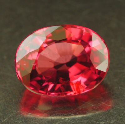 SPINELL   Vietnam    tolle Farbe      1,72 ct