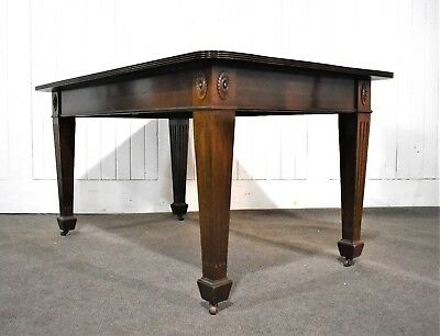 Antique style 6 seater mahogany dining table