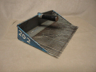 Original MAINE Blue BLUEBERRY Berry RAKE 40 TINES No. 202