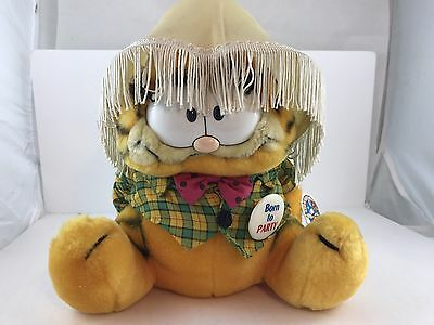 VINTAGE 1981 Garfield Born to Party DAKIN CAT PLUSH TOY 80's Stuffed Animal NWT