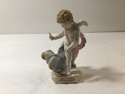Meissen Cherub Angel Putti Cupid with Mirror and Ribbon Figurine Te Les Dompte