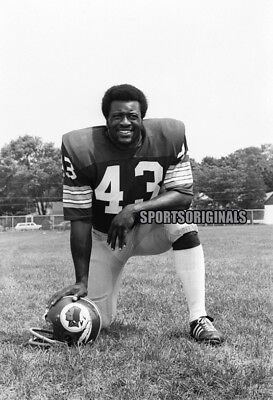 Original 35mm B&W Negative of Larry Brown of the Washington Redskins.