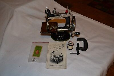 Singer Small Sewing Machine
