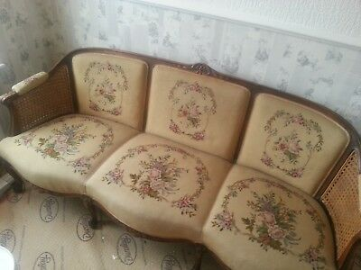 Antique French Louis Xv Style Carved Wool Tapestry Salon Sofa Bergere Settee