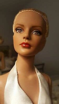 Robert Tonner Sydney Secert RTW Blonde Special Edition Collectors United