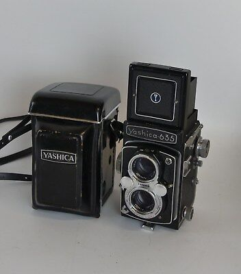 Vintage Yashica-635 TLR Dual Format Camera Twin Lens Rolleiflex