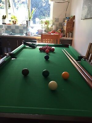 Snooker Table With Balls, triangle And 2 Snooker Cues