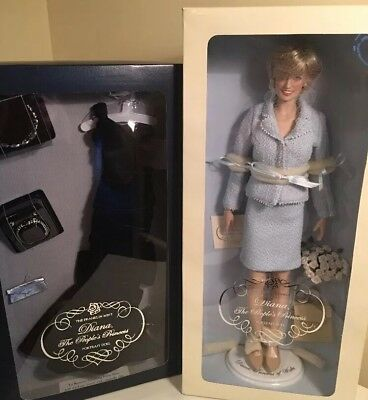 Franklin Mint Princess Diana Doll The Peoples Princess Portrait w/Extra Outfit