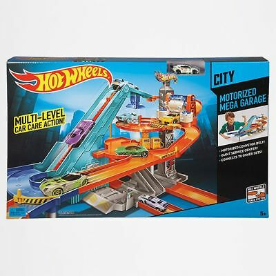 NEW Hot Wheels Motorised Mega Garage Play Set