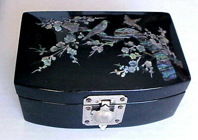 Vintage LACQUERWARE Jewelry RING BOX Inlaid MOTHER OF PEARL Trees & Birds