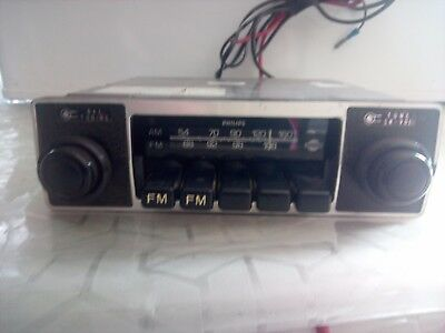 Vintage Philips AM/FM Car radio