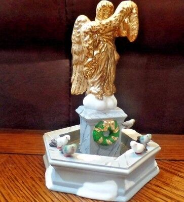 Dept 56 Heritage Village Spirit of the Season Accessory Fountain Gold Boxed
