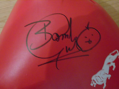 Herol 'bomber' Graham 16 Oz Lonsdale Signed Boxing Glove-Awesome!! 70's/80's