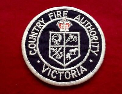 FIRE-Fighter CFA Victoria COUNTRY FIRE Authority BADGE Patch ... FREE POST