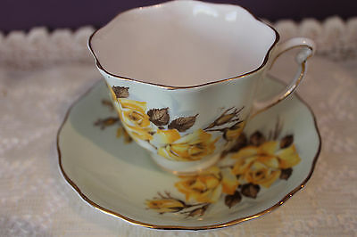 Vintage Colclough England Teacup And Saucer - Pale Green With Yellow Rose
