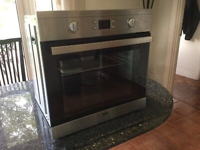 Beko DIF243x single fan built in oven. 1 year old. Excellent Condition.