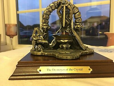 Tudor Mint 3323 The Destroyer of The Crystal on Wooden Plinth
