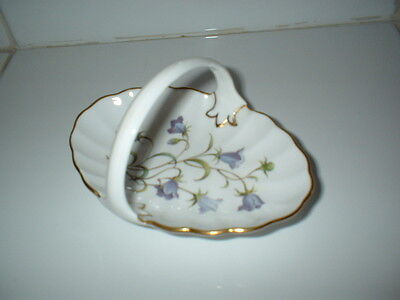 SWEET LITTLE SPODE FLUTED CHINA BASKET WITH CAMPANULAS for RINGS, TRINKETS, NUTS