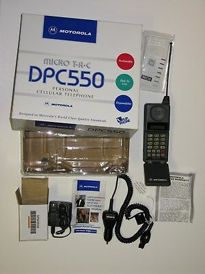 Motorola FLIP PHONE DPC550 Cell Phone in Box Chargers Manual