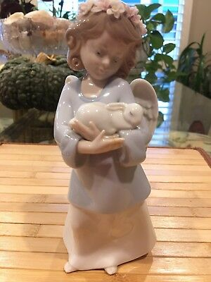 LLADRO HEAVENLY LOVE #6856 LITTLE ANGEL HOLDING BUNNY FLOWERS -$90 No Box