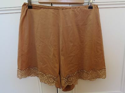 Lucas Vanity Fair genuine vintage coffee-coloured lacey French knickers size 38